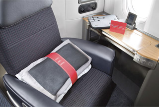 AA 77W 777 300ER Business First Class F J Seat Master